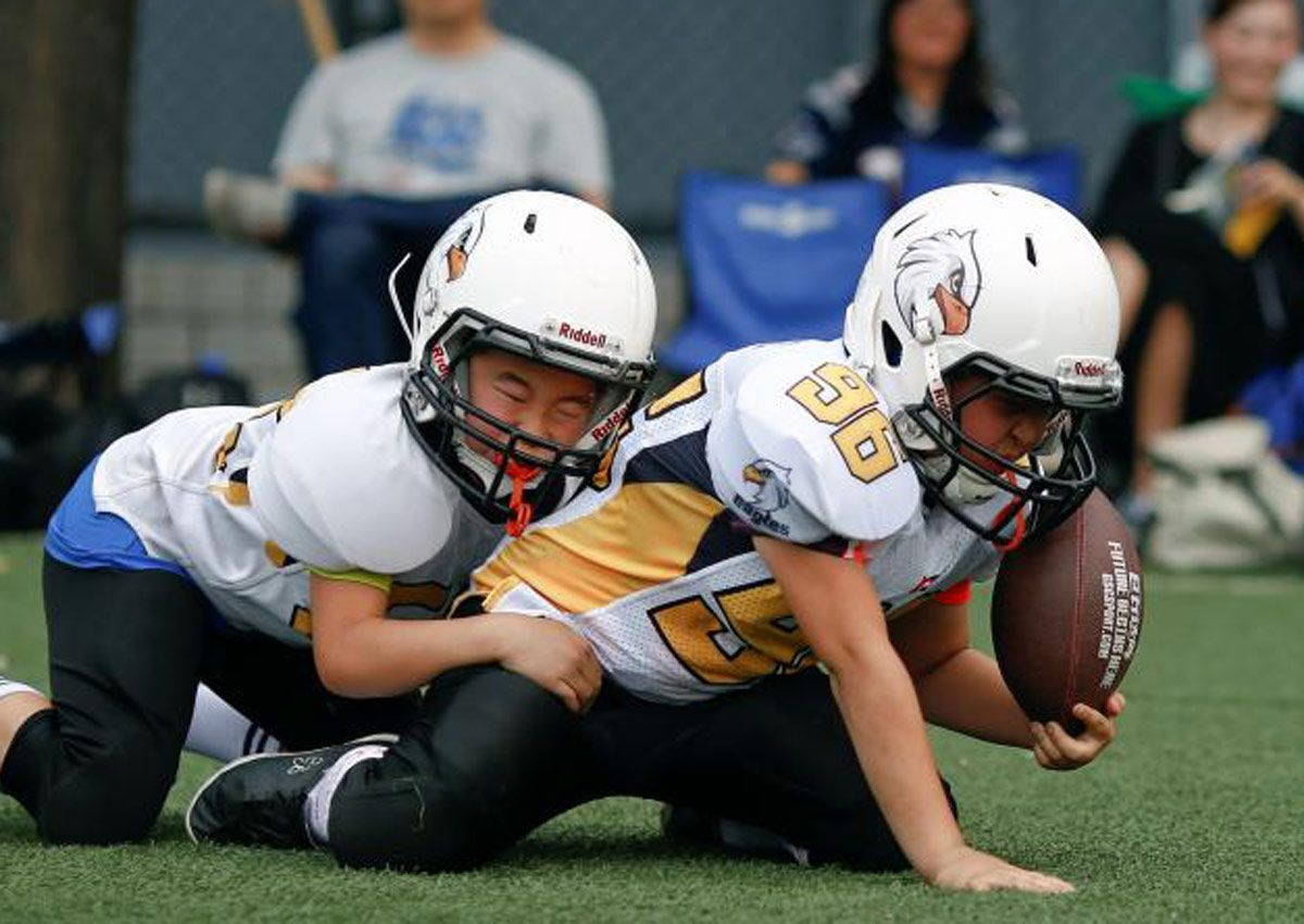 awesome Boys who play football early may face higher risk