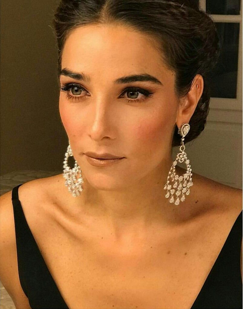 La mejor lookeada make up y hairstyle Juana Viale #juanaviale #makeup #hairstyle #hair #martinfierro #noche #gala #couture #fashion