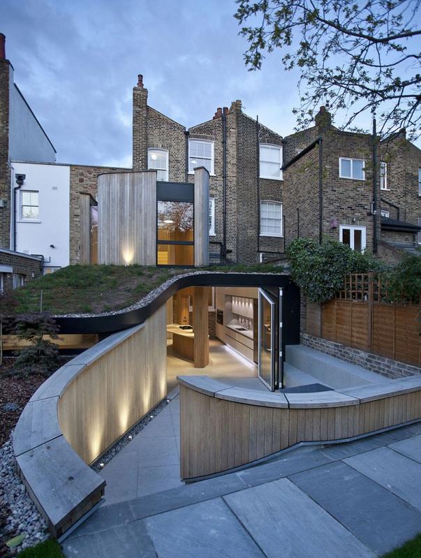 Cette maison situ e londres est une r novation et for Architecture victorienne a londres