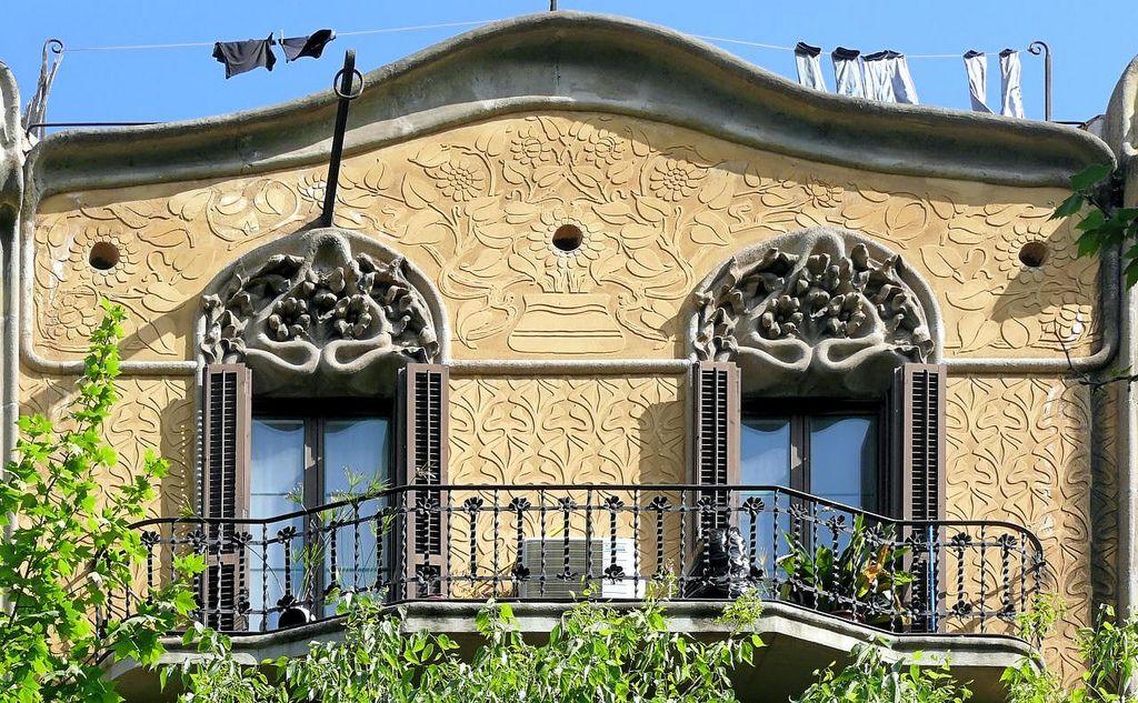 Cases Jeroni Francesc Granell  1907  Architect: Jeroni Francesc Granell i Manresa