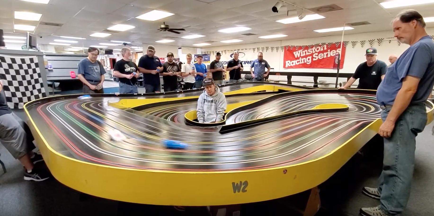 120 Bow Corkscrew Motown Raceway In Modesto Ca In 2020 Carrerabahn Carrera