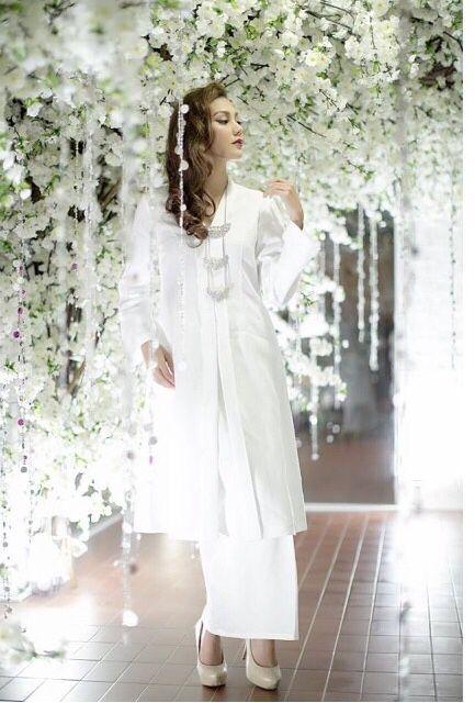Pin By Zkya Kamal On Oz In 2019 Kebaya Wedding Muslim Wedding