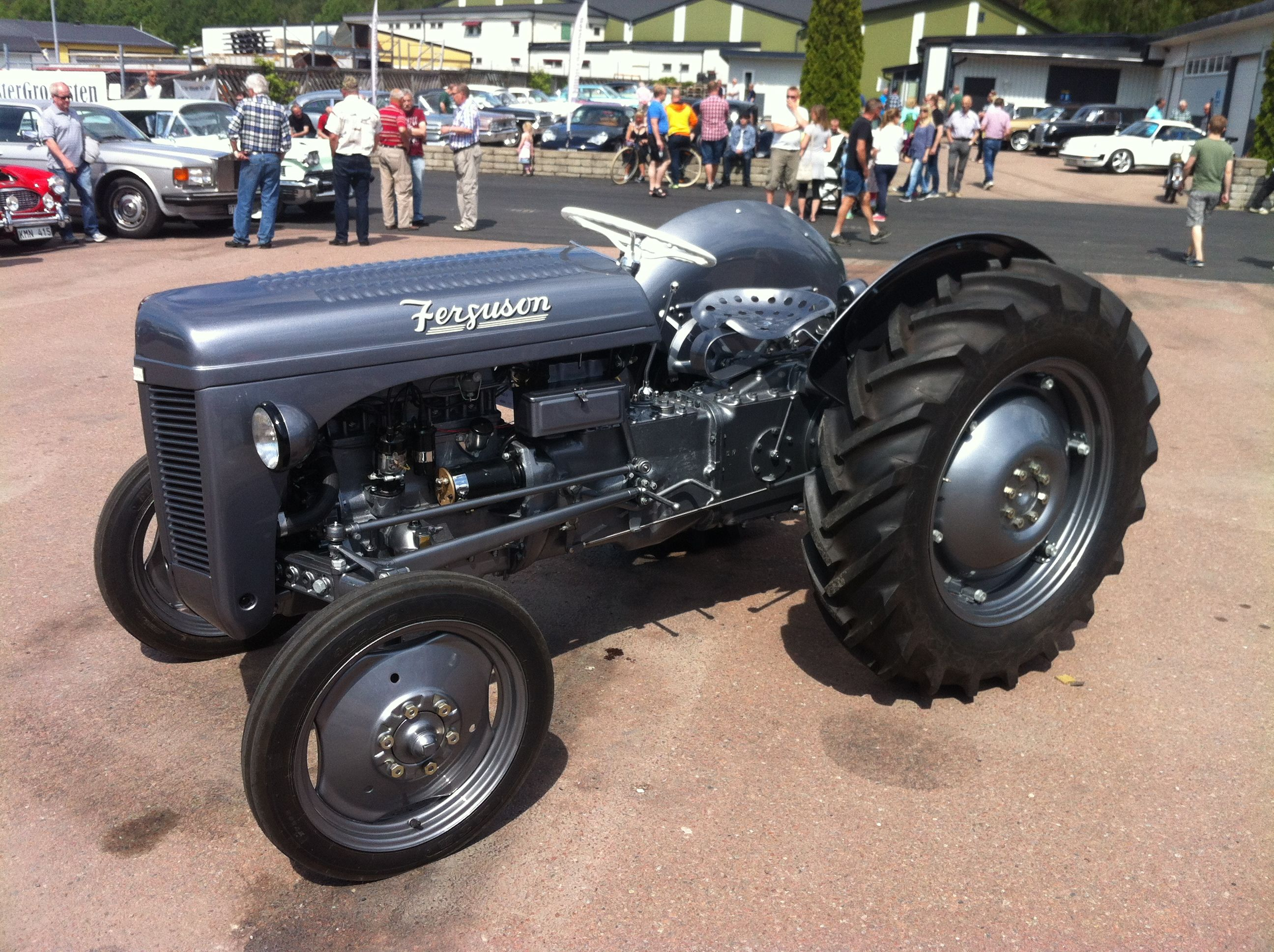A tractor which is a hot rod! Massey Ferguson TE-A 20