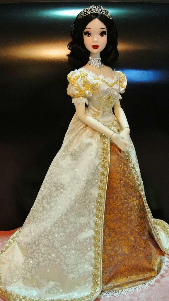 17 Golden Snow White #snowwhite