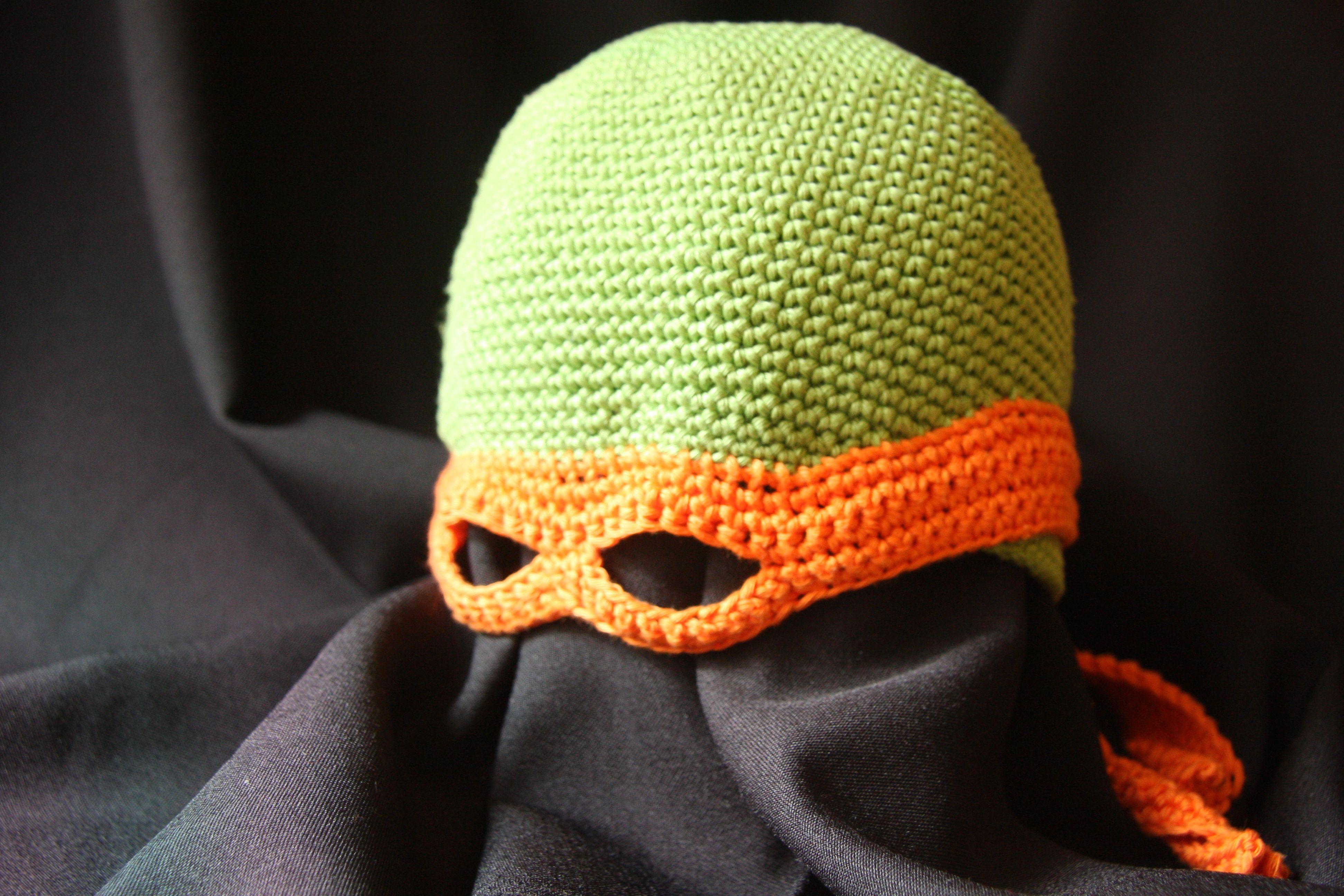 Gorro tortuga ninja, hecho con hilo 100% algodón. Antifaz móvil. Disponibilidad de tallas y los 4 colores de las tortugas.