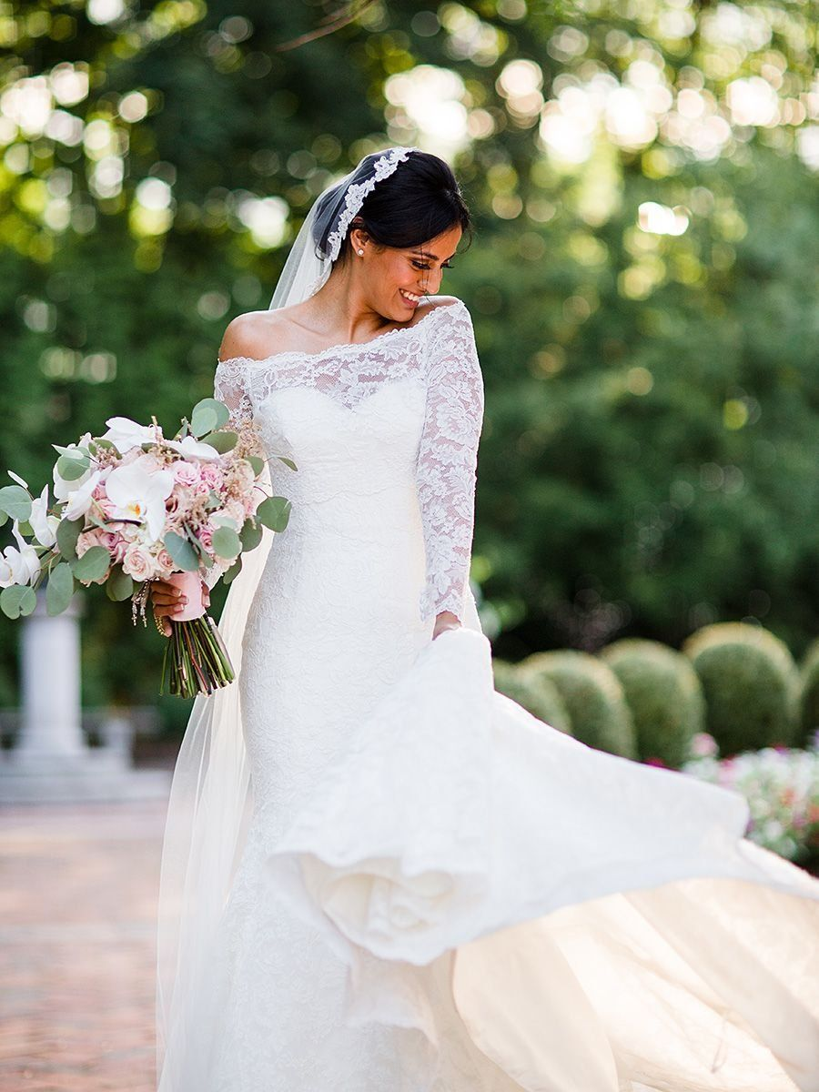 14 Gorgeous Lace Wedding Dresses (With Sleeves!) | Dennis basso ...