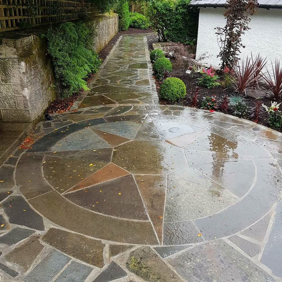 stone circle created using caithness crazy paving garden on wow awesome backyard patio designs ideas for copy id=93797