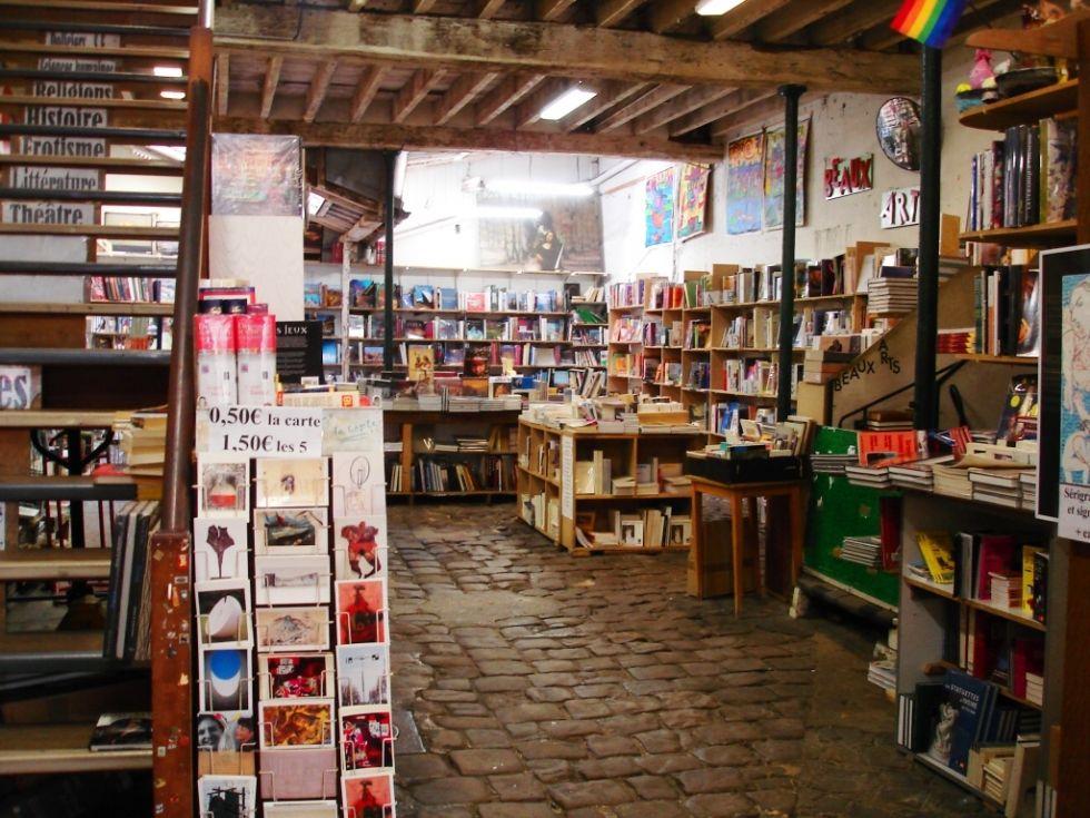 Librairie Mona Lisait (Le Marais) Paris 3  On connait aussi!