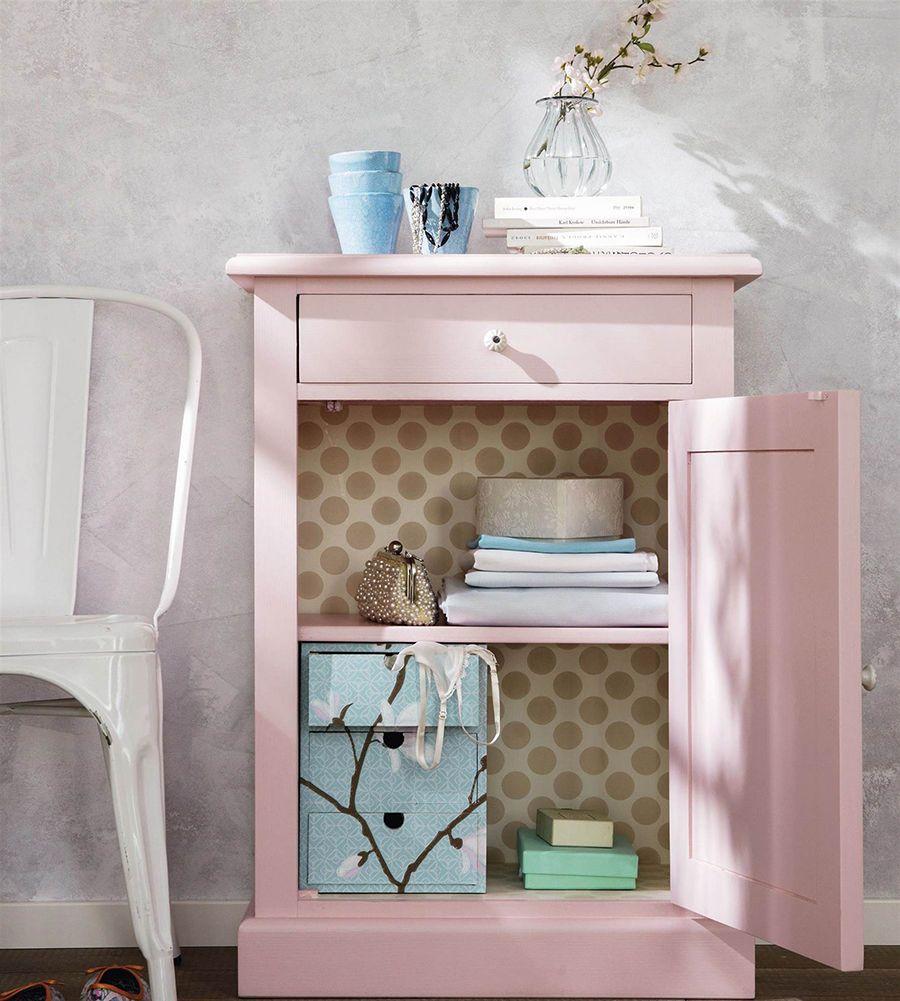 Palo De Rosa Color Tendencia En El Diseno Mesa De Noche Color Rosa Silla Como Pintar Muebles Muebles Renovacion De Muebles
