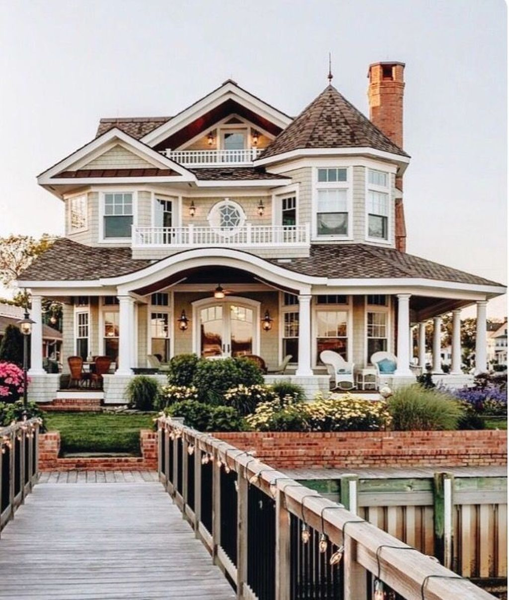 32 Stunning American House Architecture Design Ideas That Most People Look For American A In 2020 Dream House Exterior House Designs Exterior Beach House Interior
