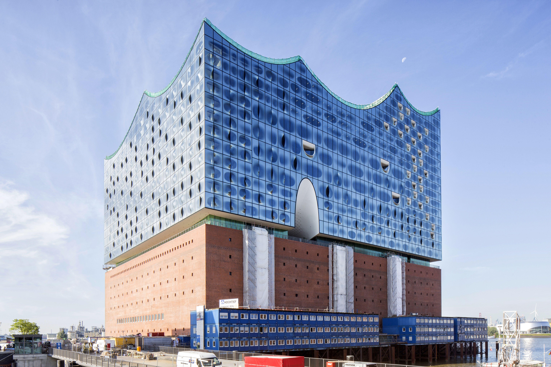 Nordostansicht Der Elbphilharmonie Am Tag Raetzke 150826 Jpg 5760 3840 Elbphilharmonie Concert Hall Building Concert Hall