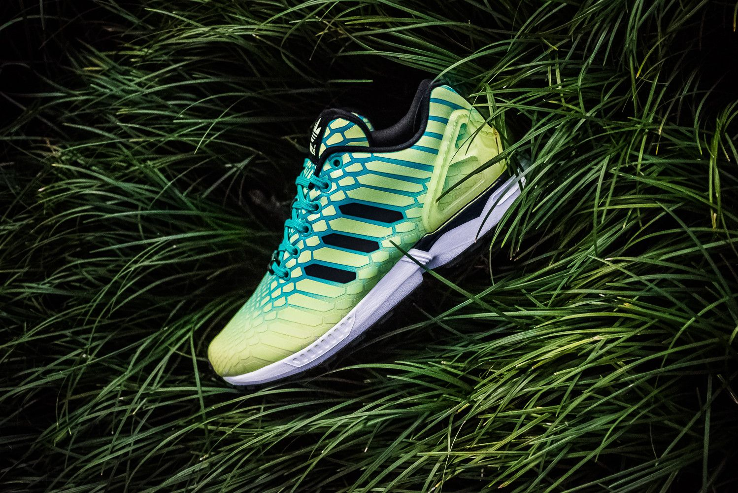 adidas ZX FLUX XENO 'BOREALIS' PACK Movement