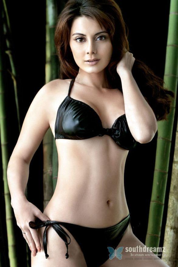 Minissha lamba hot and sexy