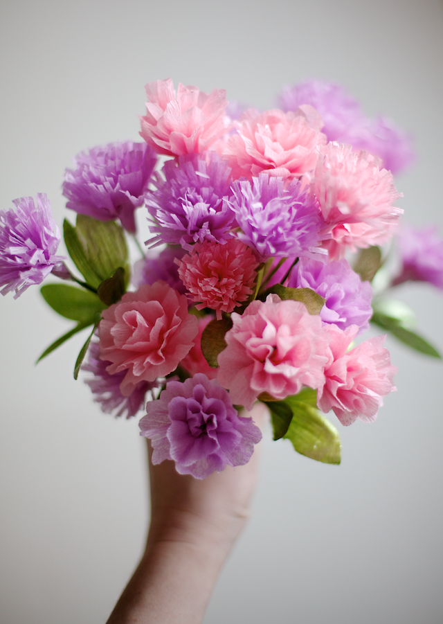 Diy Crepe Paper Carnations Ruffles And Stuff Paper Flower