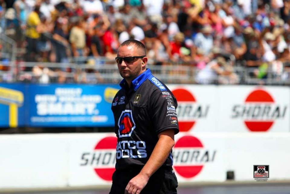 Antron Brown & Team in the Matco Tools T/F Dragster @ the Sonoma Nationals in Ca