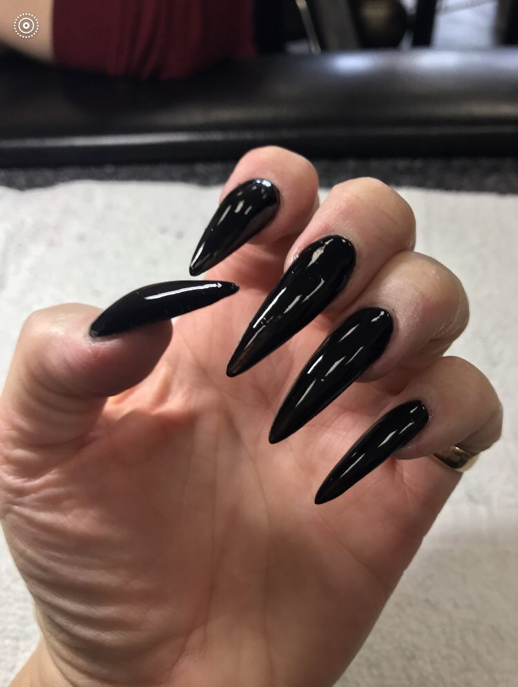75 Cool And Easy Halloween Nail Ideas You Are Bound To Try Koees Blog Halloween Nails Easy Halloween Nails Trendy Nails