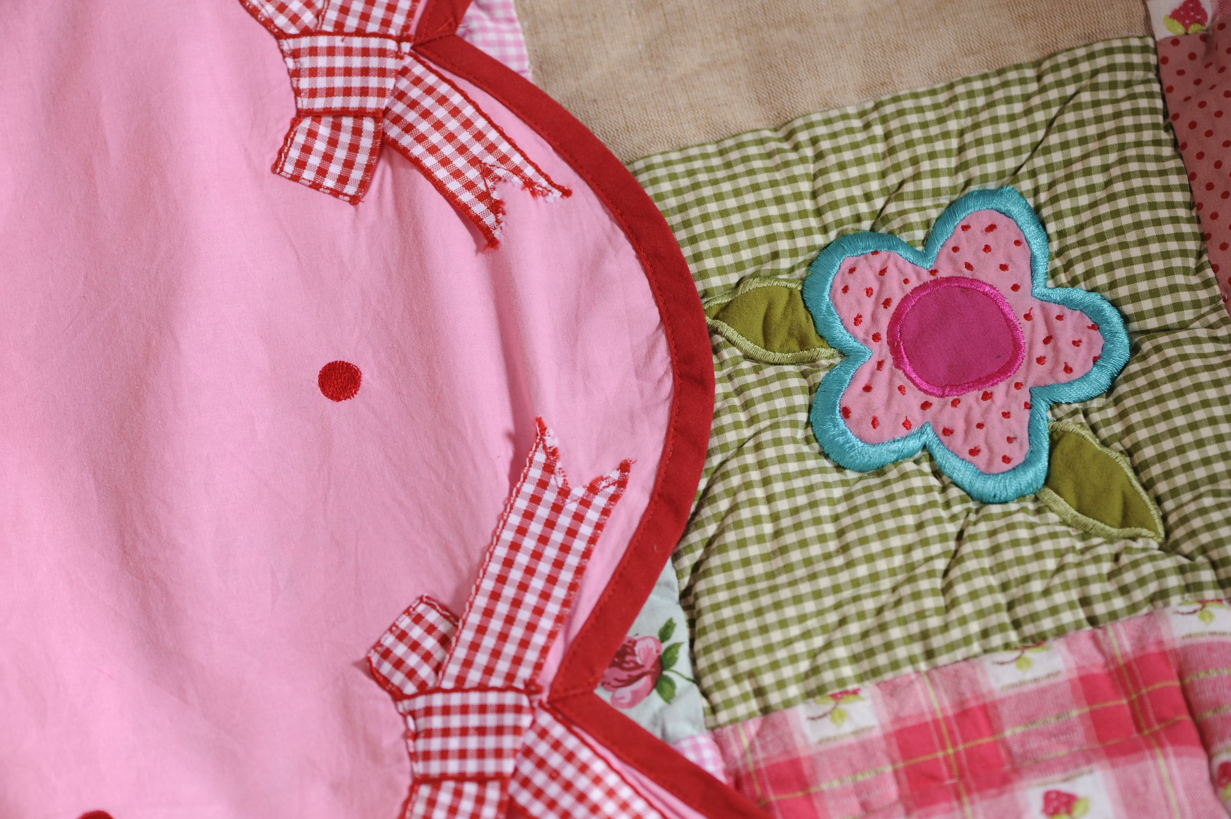 Sheet bow and quilt linen lovely by GeK