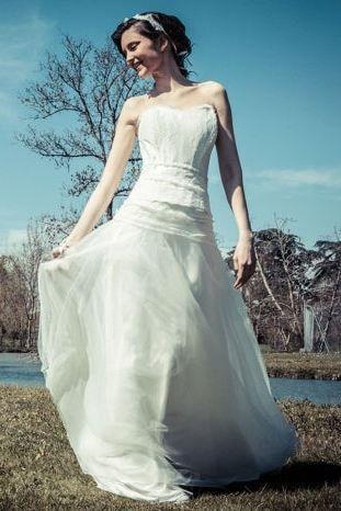 Robe de mariee fluide femme