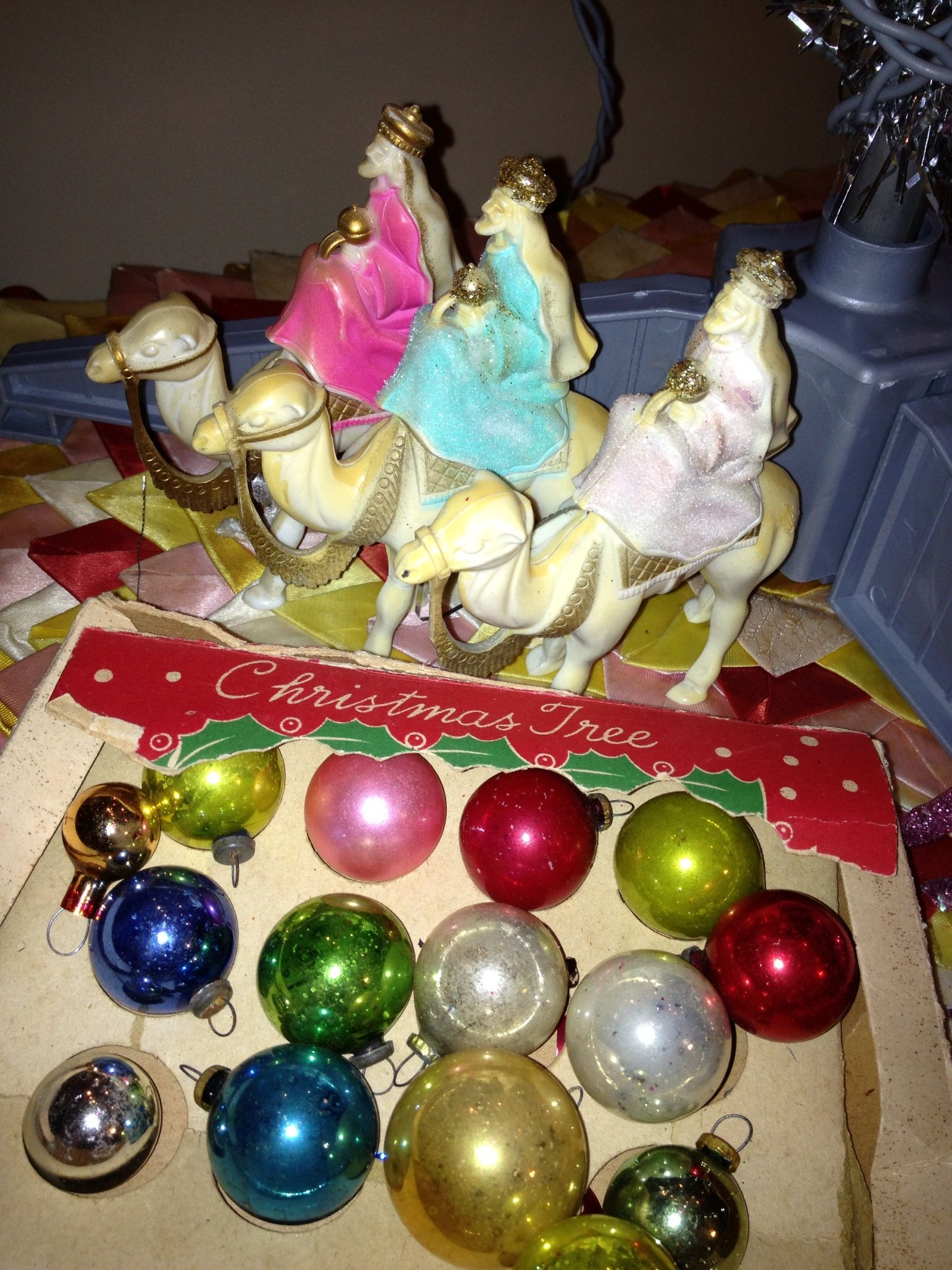Love these under my tinsel tree | Vintage christmas ...