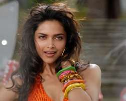 Actress Deepika Padukone On Wednesday Invited Her 15 Million Facebook Fans For A Live Web Chat As A Deepika Padukone Wallpaper Deepika Padukone Bollywood Stars