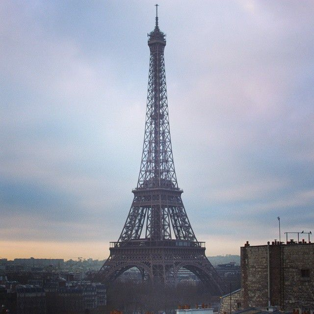 """#eiffeltower #morning #sky #paris #toureiffel #nikon #d7100"""