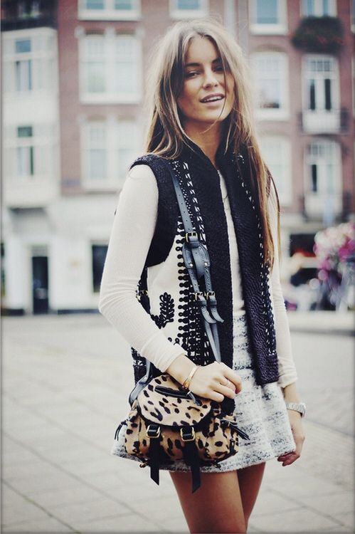 A great look for spring or autumn. I love the different textures in this ensemble.