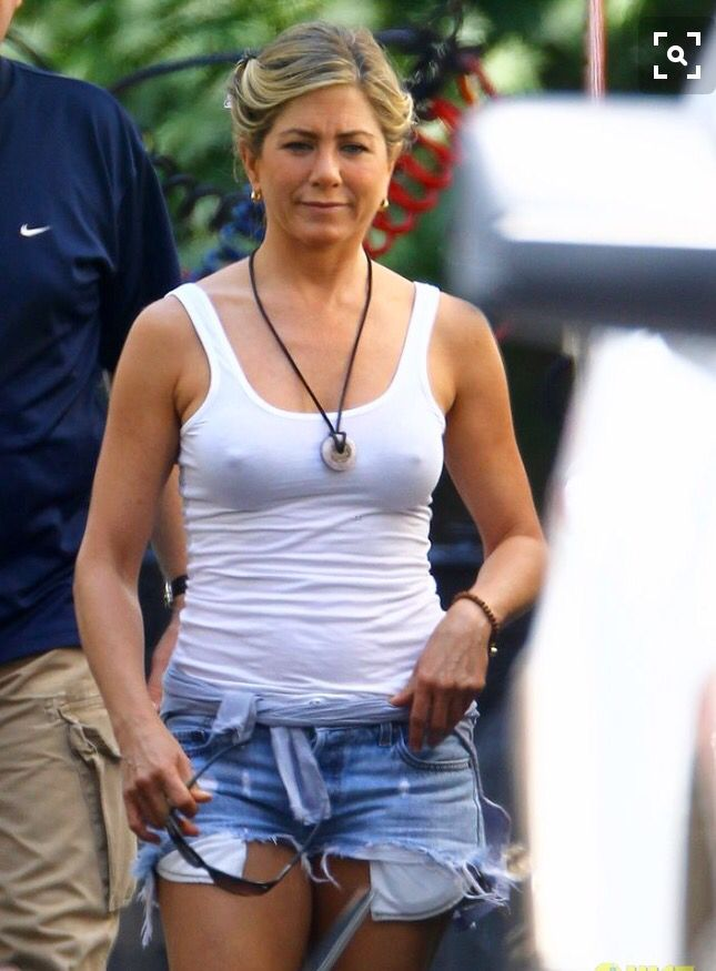 Was specially jennifer aniston tanning nude photos