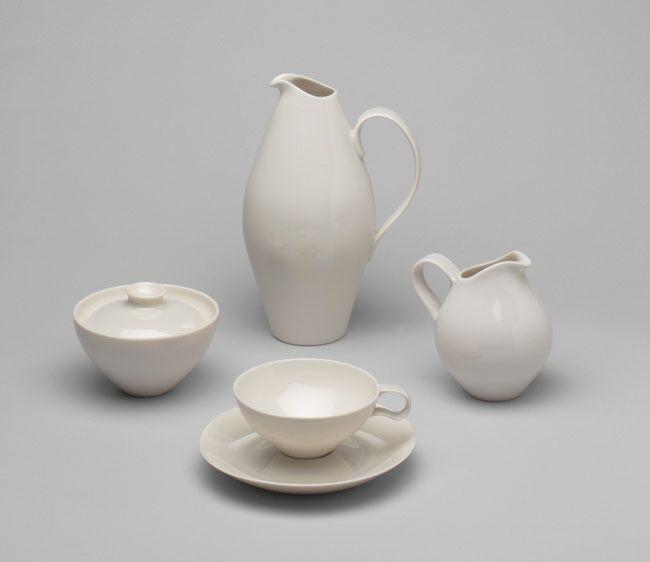 Eva Zeisel First Moma Exhibition Devoted To Female Designer Eva Zeisel Museum Of Modern Art Ceramics