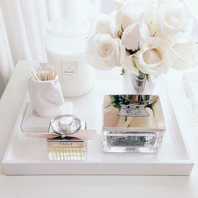 White Roses Dressing Table Decorating Ideas Vanity Makeup Organization Beauty Jewelry
