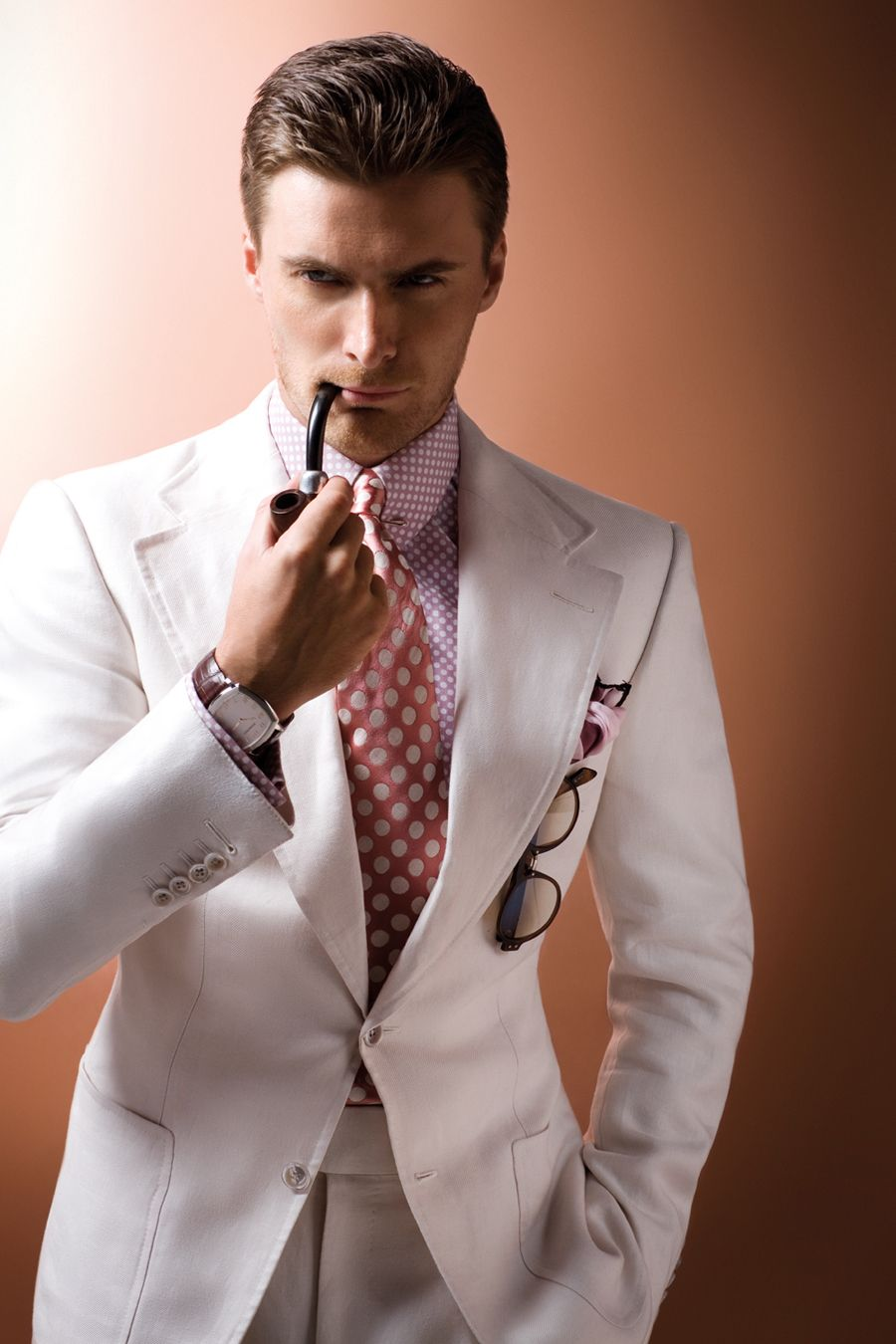 White single-breasted linen twill two-piece suit, pink and white ...