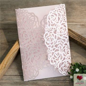 pochette pour faire part mariage avec d coupe laser de rose inspiration design invitation. Black Bedroom Furniture Sets. Home Design Ideas
