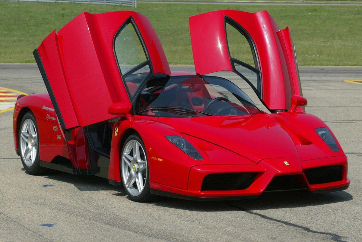 Ferrari Enzo 217 Mph 349 Km H 0 60 In 3 4 Secs F140 Aluminum V12 Engine With 660 Hp Base Price Is 670 000 O Sports Cars Luxury Ferrari Enzo Ferrari Car