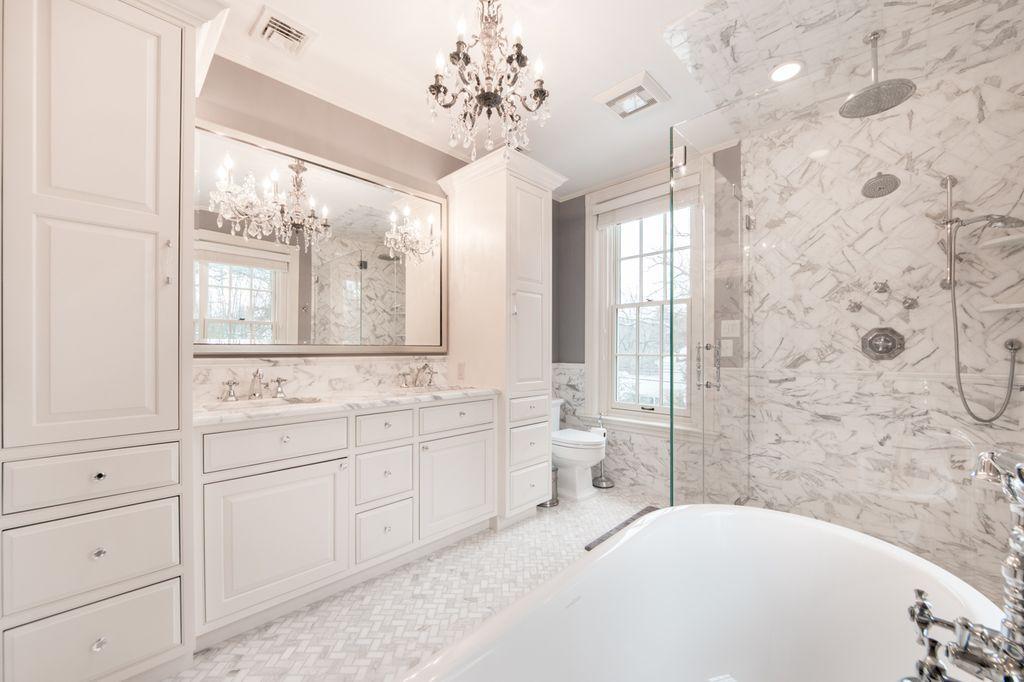50 Master Bathrooms With Chandelier Lighting Photos Beautiful