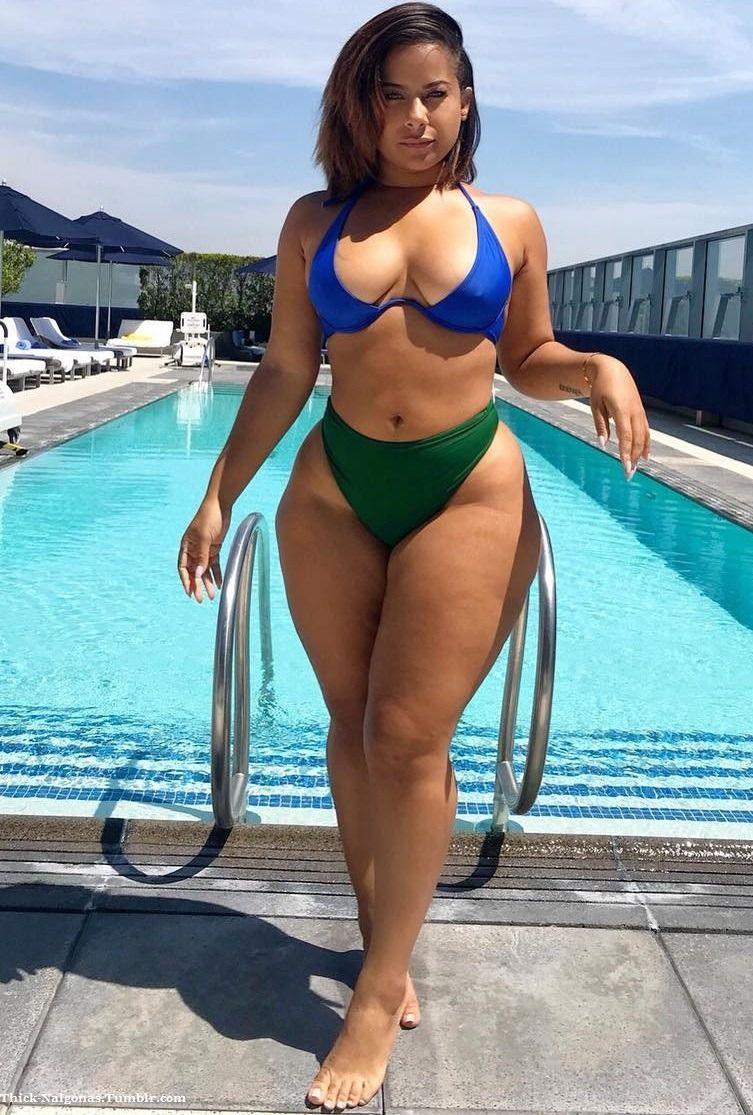 Sexy thick curvy women