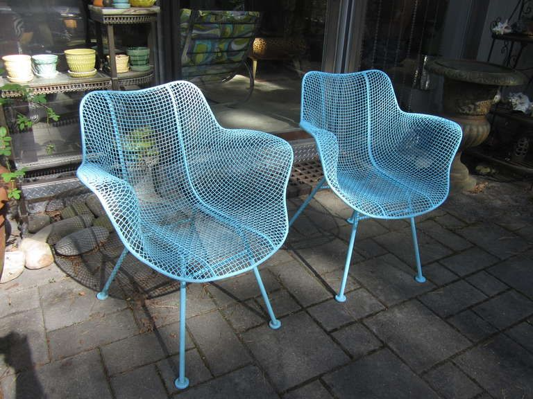 Pair Woodard Mesh Sculptra Patio Lounge Chairs Mid-century ...