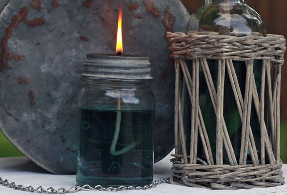 Mason Jar Oil Lamp | Crafts from putitinajar.com