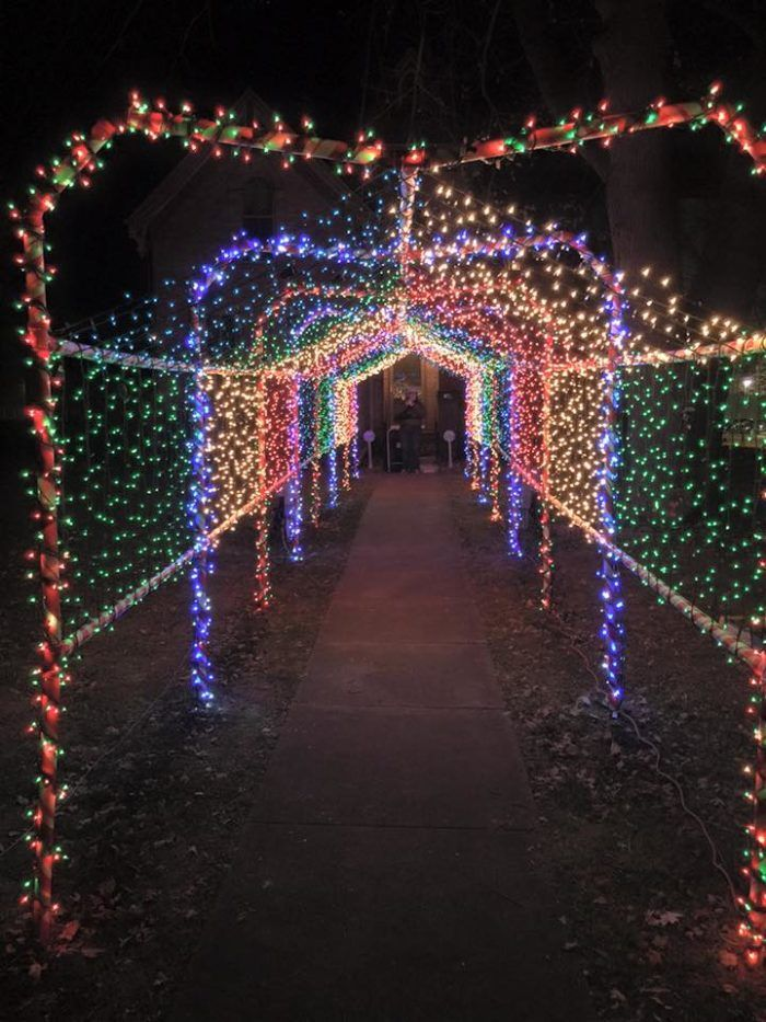 The Christmas Lights Road Trip Through Illinois That's Nothing Short Of  Magical - The Christmas Lights Road Trip Through Illinois That's Nothing Short