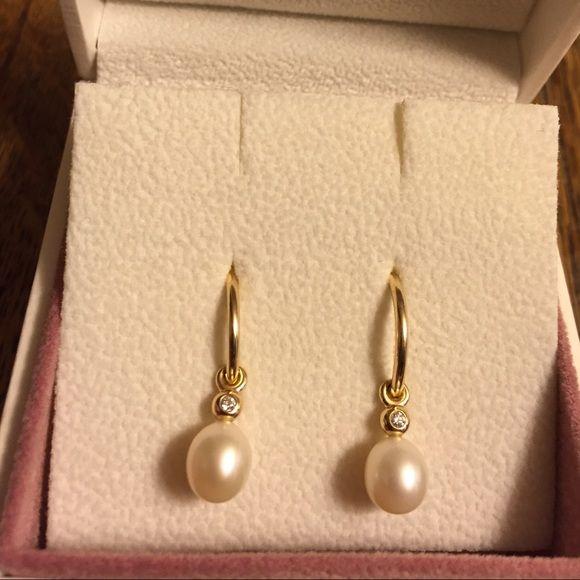 77457feec34 Pretty PANDORA Earrings NWT 14k Gold Hoops Earrings w/charm drop ...