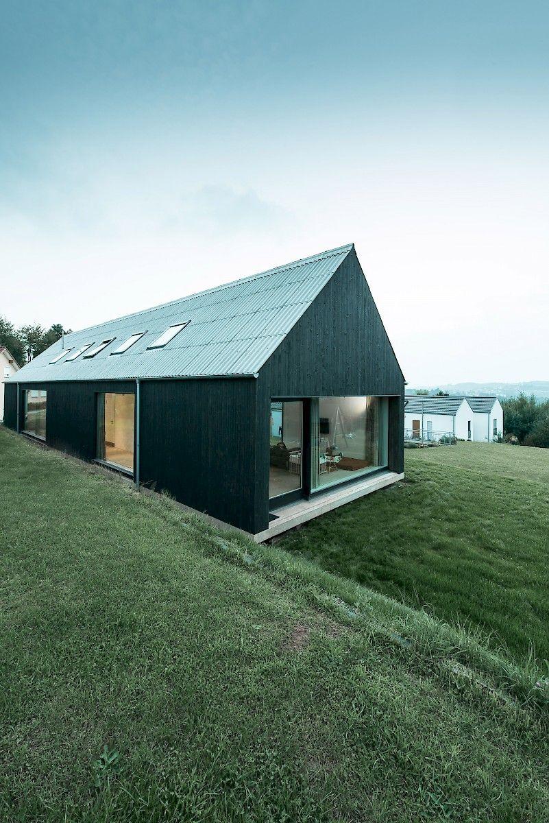 Bayer strobel architekten wohnhaus in ottweiler for Architekten bungalow modern