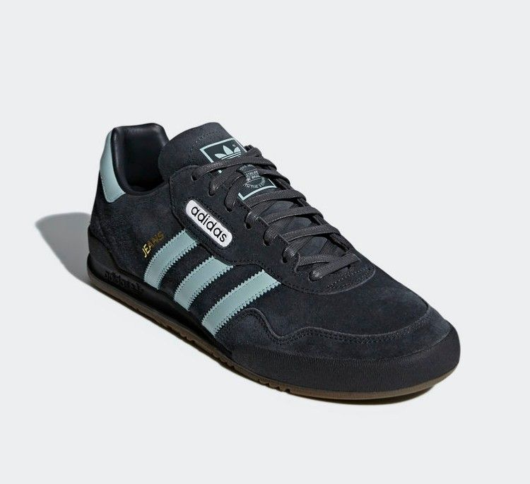 Crackin' colourway of carbon and tactile green on these
