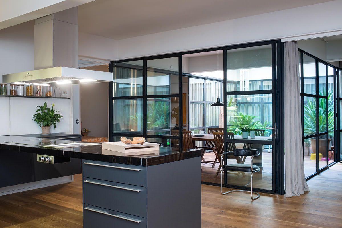 Un garaje convertido en casa. Un diseño de Berta Roca #design ...