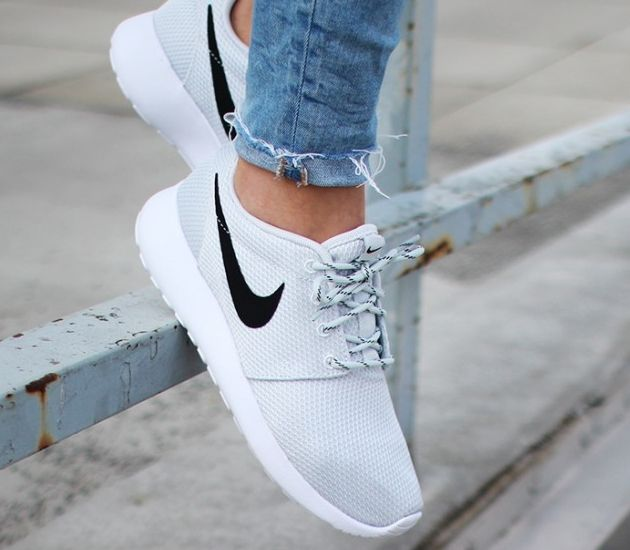 Nike Roshe One - so many fakes online. Checkout the 28 point step-by