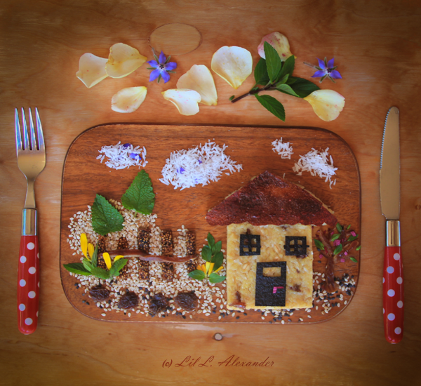 A healthy and delicious breakfast. Millet house with rice milk, raisins, coconut. www.lillalexander.com #foodart #pickyeaters #bento #funfood #childrenfood #veggies
