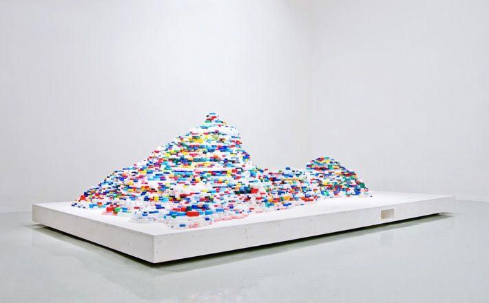 Satoshi Hirose | Installation view at Galleria Maria Grazia Del Prete, Rome, 2012
