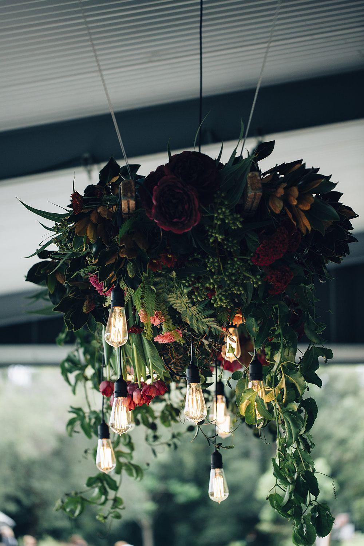 Stimmungsvolle industrielle Hochzeit Inspiration   – Flowers