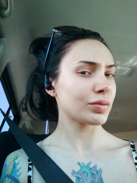 Micheline Pitt W No Makeup Shes So Lucky Her Skin Is So Perfect