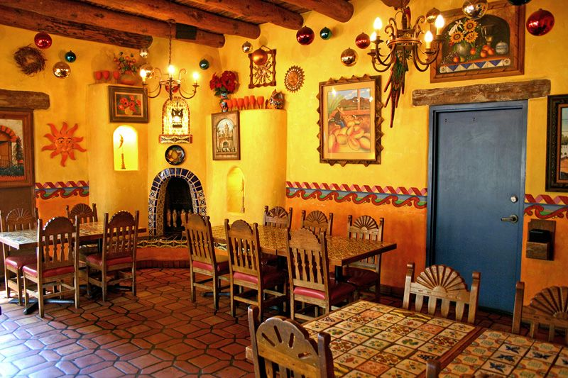 Mexican Dining In 2019 Mexican Restaurant Decor Mexican