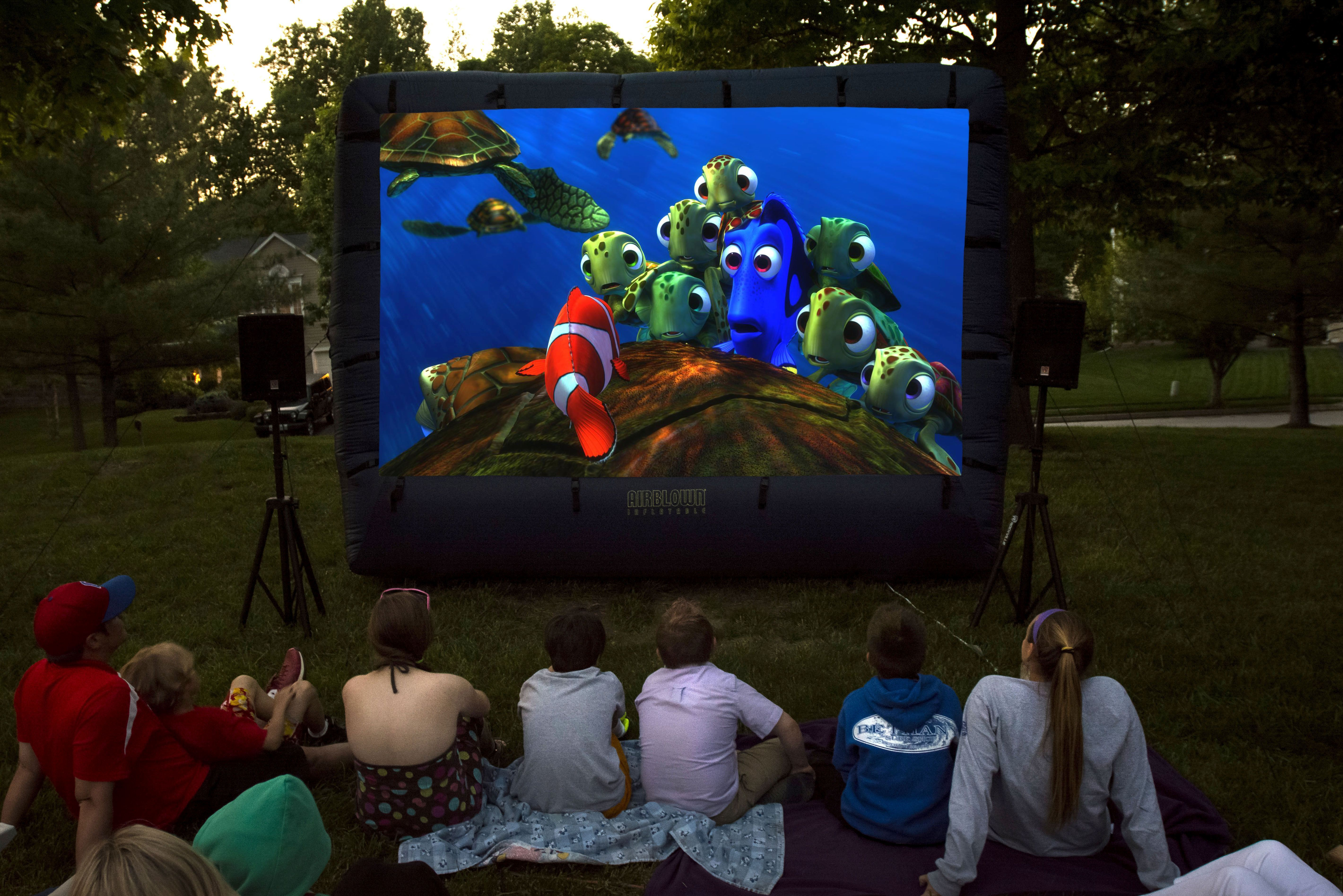 Incroyable Backyard Inflatable Movie Screen Rentals   Http://www.KIDflatables.com