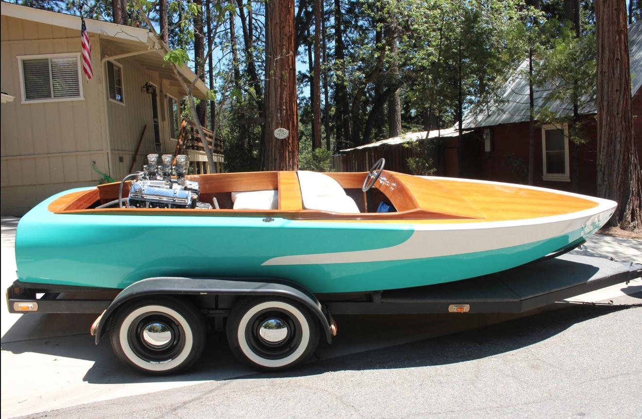 Harlan Orrin's 1955 18' Mandella wood-deck V-drive  | Hot