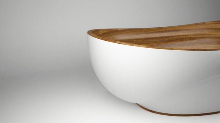 """Wood and White"" by Kashani... Viac na: Kupelnovy-manual.sk"